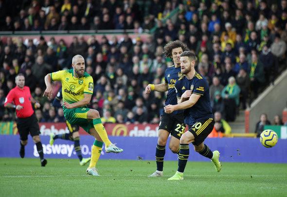 Arsenal fans rage at Mustafi v Norwich